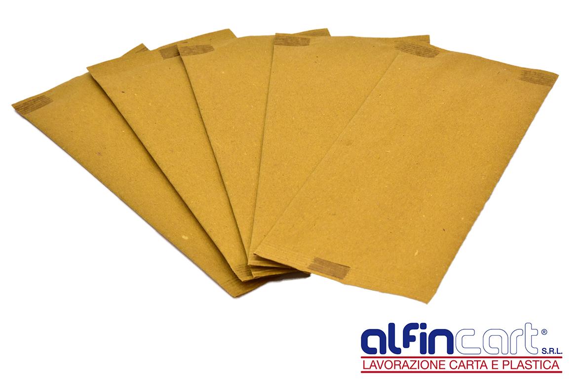 Serviettentaschen aus Papier.