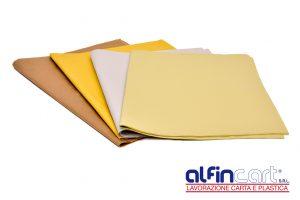 Zeitungsdruckpapier Braun, Gelb und Weiß.